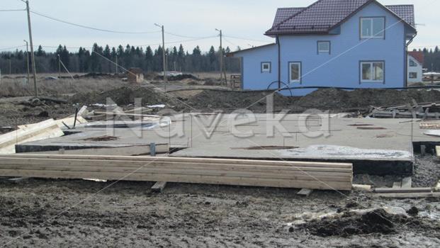 Монолитная плита в Ломоносовском районе Ленинградской области